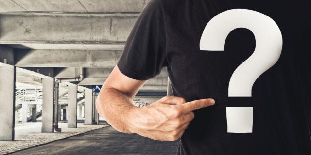 Koszulka z logo - oryginalny gadżet na imprezę firmową